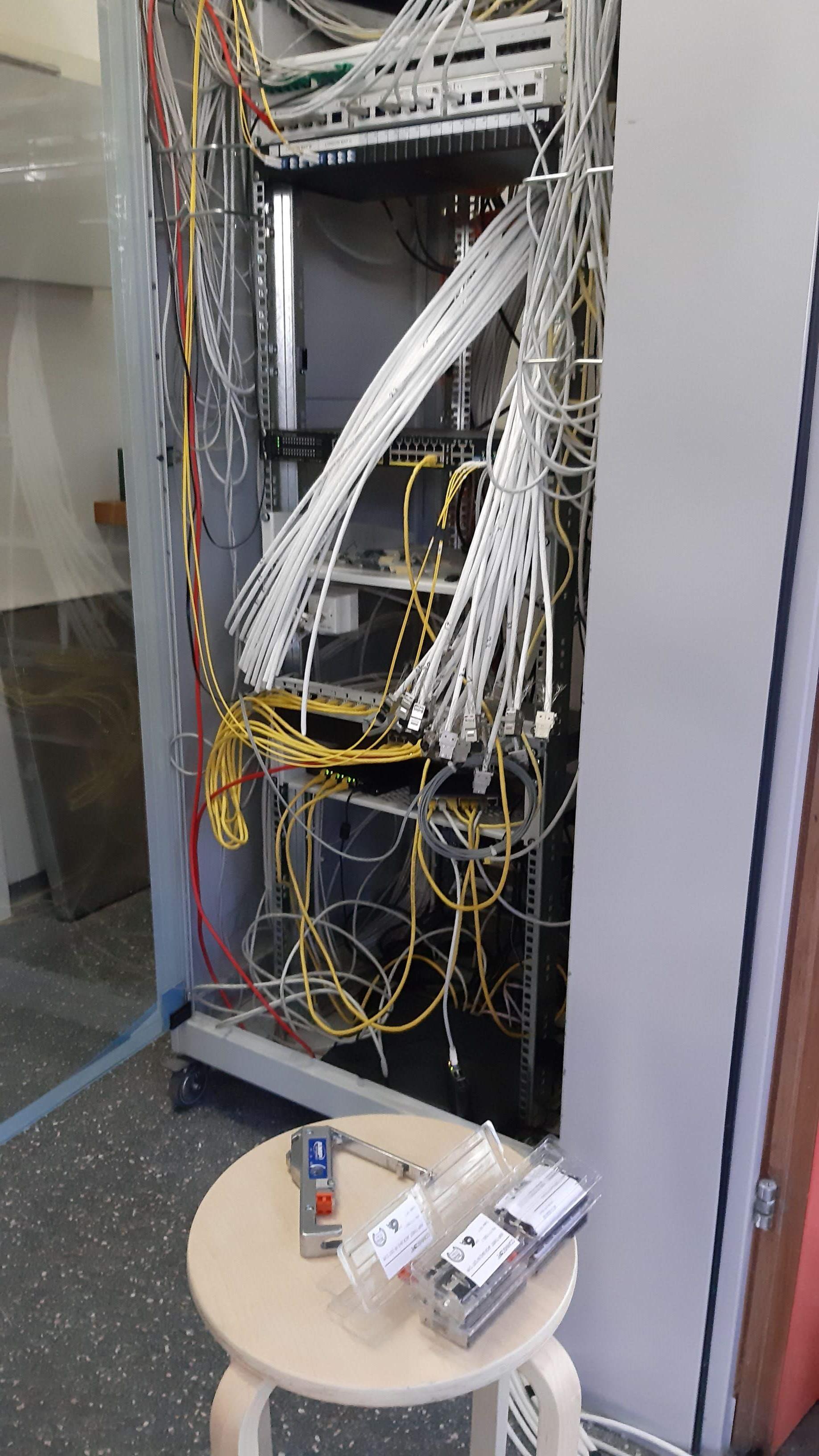 Câblage à l'école de Lucens